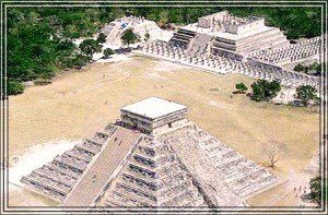 La pyramide de Chichen Itza au mexique